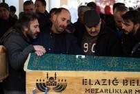 Elazığ'daki Depremde Hayatını Kaybeden 5 Kişilik Aile Son Yolculuğuna Uğurlandı