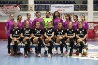 GENÇ KADIN - Genç Melekler Türkiye Şampiyonu