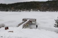HAVA SICAKLIĞI - Karabük'te Göletler Buz Tuttu