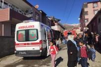 POLİS EKİPLERİ - Lice'de Korkutan Yangın Açıklaması 2 Yaralı