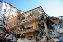 (Özel) Çöken Binanın Çevresindeki Binalarda Büyük Hasar Meydana Geldi