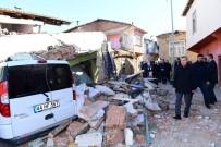 Yeşilyurt Belediyesi Sosyal Ve Spor Tesisleri Depremden Dolayı 24 Saat Açık
