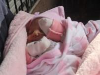 MASAJ - 40 Günlük Bebeğini Kaynının Kapısına Bırakıp Kaçtı