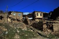 Elazığ Depreminde Bir Köydeki Evlerin Hepsinde Hasar Oluştu