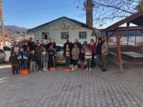 TEKERLEKLİ SANDALYE - OSDEF'den Köy Çocuklarına Mont Ve Bot Yardımı