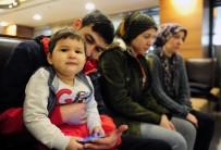 AZERI - (Özel) Enkaz Altında 18 Aylık Bebeğini Emzirdi
