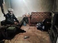 Sokakta Yaşam Savaşı Veren Yaşlı Adama Muhtarlar Sahip Çıktı