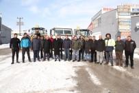 PAZAR GÜNÜ - Tuşba Belediyesinden Kar Mesaisi