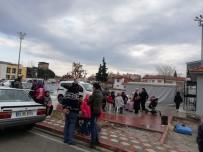 Akhisarlılar Acil Toplanma Alanlarına Akın Ediyor
