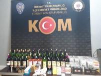 EMNIYET MÜDÜRLÜĞÜ - Balıkesir'de Polisten Kaçak Tütün Ve İçki Operasyonu