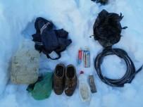 UZMAN JANDARMA - Bitlis'te Terör Örgütünce Araziye Gömülmüş Malzemeler Ele Geçirildi