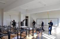 MİLLİ EĞİTİM MÜDÜRÜ - Cizre'de Gönüllüler Okulların Bakım Ve Onarımını Gerçekleştiriyor