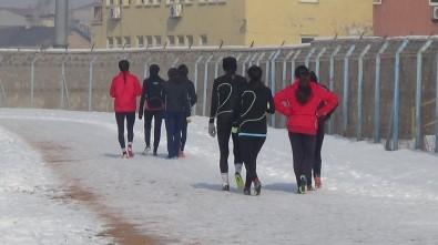Dondurucu Soğukta Şampiyonaya Hazırlık