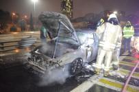 CEP TELEFONU - Fatih Sultan Mehmet Köprüsü Girişinde Otomobil Alev Alev Yandı