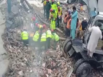 Pakistan'da Parfüm Fabrikasında Patlama Açıklaması 11 Ölü