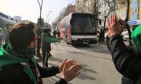 UŞAKSPOR - Uşakspor'dan Misafir Takıma Tarhana İkramı
