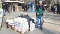 Vatandaşlar Depremzedeler İçin Yardımlarda Bulunuyor