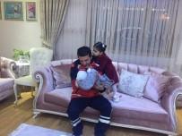 Fahrettin Koca - 10 Günlük Bebeğini Bırakıp Depreme Yardıma Koşan UMKE Görevlisi Memleketine Döndü