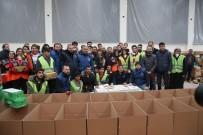 Fahrettin Koca - Bakanlar Yardım Kolilerinin Doldurulmasına Yardım Etti