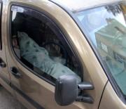 CENAZE ARACI - Cesetle yolculuk polisi alarma geçirdi