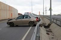NECİP FAZIL KISAKÜREK - Yeni Kampüs Yolunda Kontrolden Çıkan Araç Bariyerlere Çarparak Durabildi