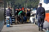 KIYI EMNİYETİ - Düzensiz Göçmenlerin Cesetleri Kıyıya Taşındı