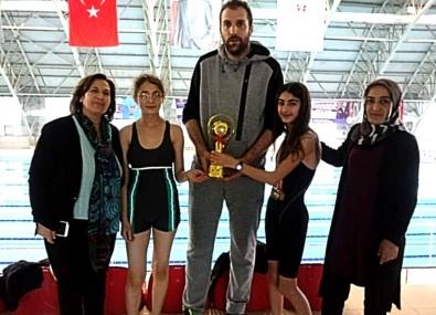 Geleceğin Yüzücüsü Eremsu Cansever'den 3 Altın