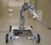 BOMBA İMHA ROBOTU - Liseli Öğrenciler, Olduğu Yerde 8 Yöne Hareket Edebilen Robot Kol Yaptı