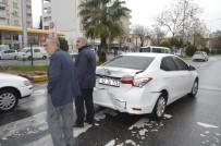 ADıYAMAN ÜNIVERSITESI - Minibüs İle Otomobil Çarpıştı Açıklaması 2 Yaralı