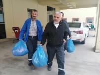 ÇÖP KONTEYNERİ - Çöp Toplayan 3 İşçi Zehirlenme Şüphesiyle Hastaneye Kaldırıldı