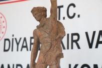 BRONZ HEYKEL - Roma Dönemine Ait Heykeli Satmak İsterken Yakalandılar