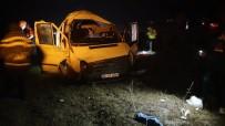 Tosya'da Minibüs Takla Attı Açıklaması 3 Yaralı