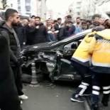 EMNIYET ŞERIDI - Tramvay yolunda feci kaza kamerada