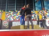 ORÇUN - Uşaklı Atletizm Sporcusu Türkiye 2'Ncisi Oldu