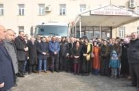 HASARLI BİNA - Yüksekova'dan Deprem Bölgesine Yardım Eli