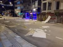 Antalya'da Fırtına Ağacı Kökünden Söktü, Taksilere Zarar Verdi