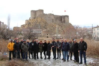 Atlı Milis Kuvvetleri Türk Bayrağı İle Davul Zurna Eşliğinde Tur Attı