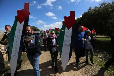 Batı Şeria'da ABD Karşıtı Protesto Açıklaması 48 Yaralı