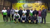 FUTBOL MAÇI - Belediye Yöneticileri Ve Gazeteciler Dostluk Maçında Karşılaştı