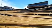 ANADOLU LİSESİ - Çamlıyayla'da Öğrenci Yurdunun Çatısı Uçtu