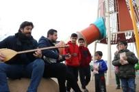 AKREDITASYON - Gönüllü Öğretmen Kardeşler, Depremzede Çocukları Mutlu Ediyor
