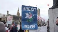 İngiliz Halkı Brexit'i Kutlamak İçin Londra'da Toplandı