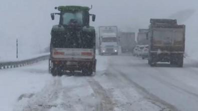 Kop Dağı Geçidi'nde Trafik Durma Noktasına Geldi