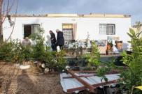 ŞİDDETLİ FIRTINA - Mersin'de Şiddetli Fırtına Evin Çatısını Uçurdu