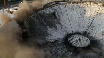 Rusya'da Dev Stadyum Yıkım Sırasında Çöktü