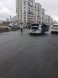 ALACAK VERECEK MESELESİ - Seyir Halindeki Aracı Durdurup Ateş Açtı Açıklaması 1 Ölü
