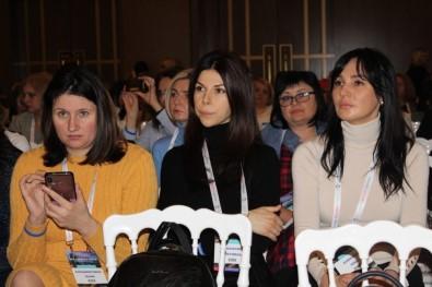 Türk Doktordan Ukraynalı Kadın Doğum Uzmanlarına 'Kadın Hastalıkları' Semineri