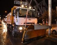Van Büyükşehir Belediyesi Kar Yağışıyla Birlikte Çalışmalarına Başladı