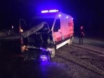 Ambulans İstinat Duvarına Çarptı Açıklaması 1 Yaralı