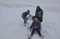 Bulanık'ta Kar, Büyükler İçin Çile Küçükler İçin Eğlence Oldu